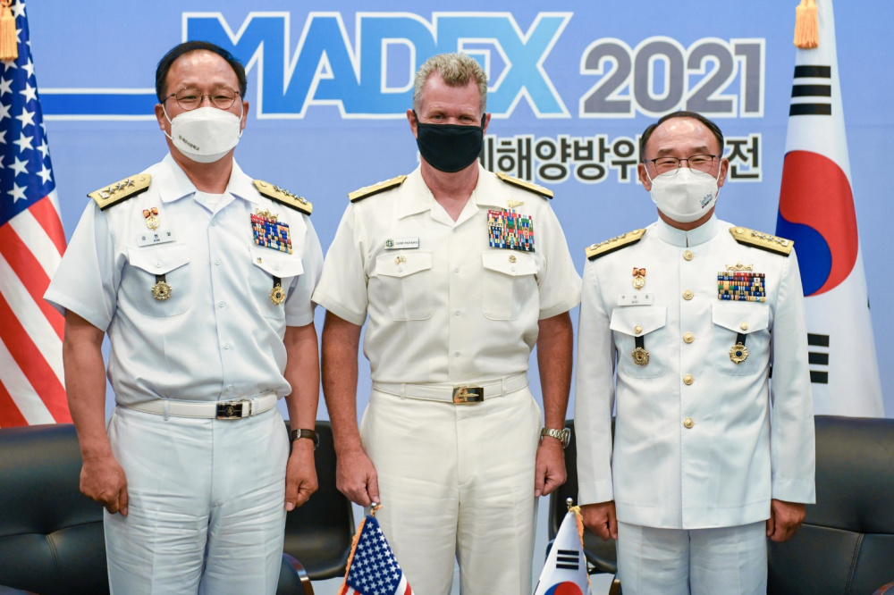 Commander, US Pacific Fleet (USPACFLT) Visits Republic of Korea Navy (ROKN)