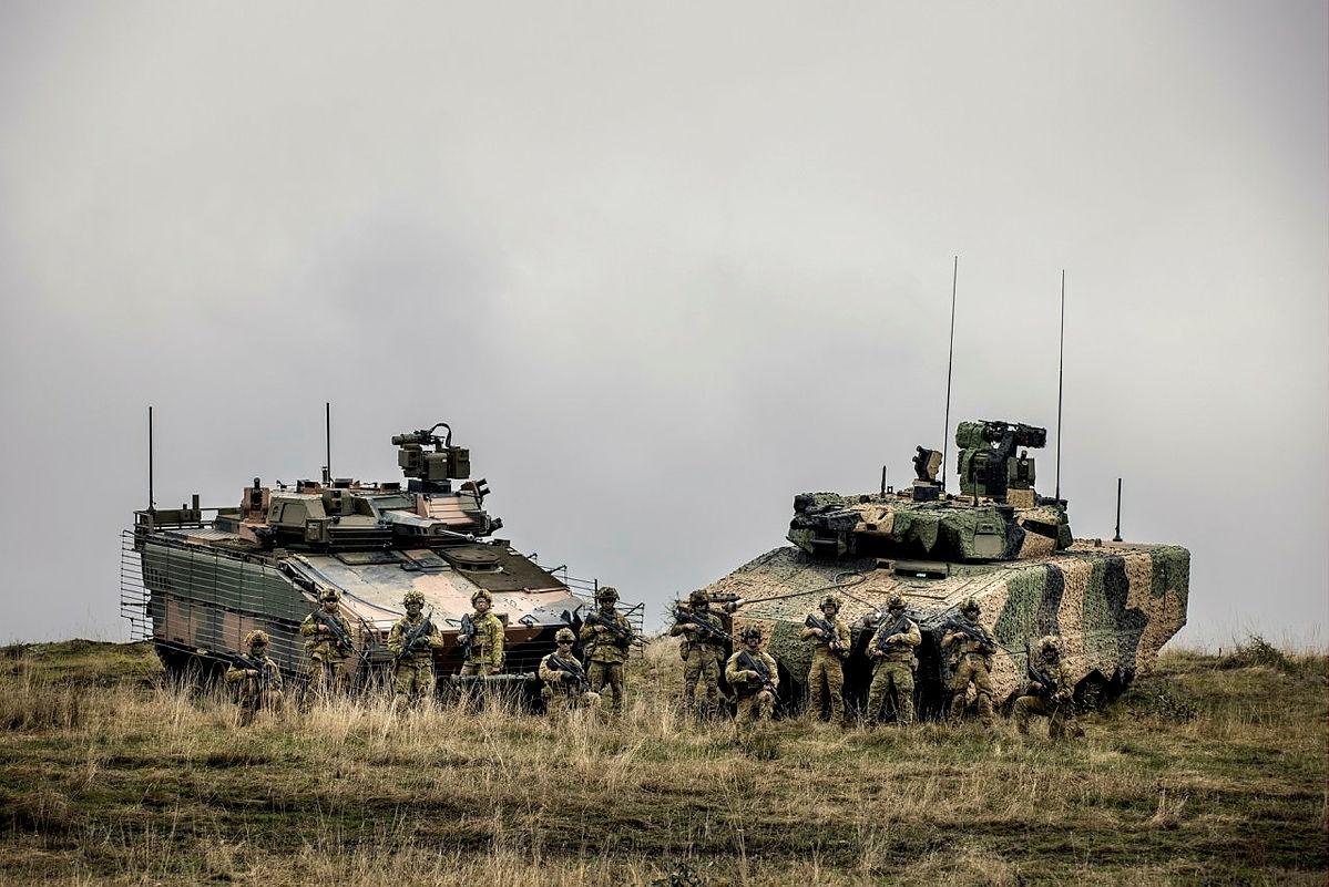 Australia Army Land 400 Phase 3: Hanwa Redback AS-21 versus Rheinmetall KF-41 Lynx