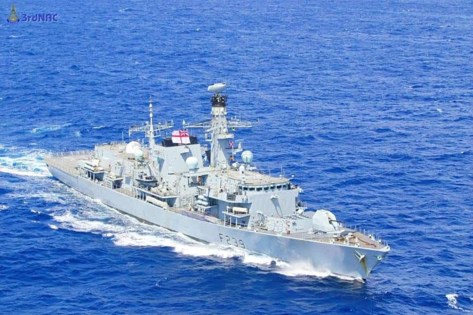 Royal Navy HMS Richmond (F239) Conducts PASSEX with Royal Thai Navy HTMS Kraburi (FFG 457)