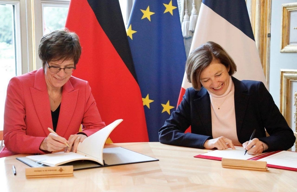 German Defence Minister Annegret Kramp-Karrenbauer and her French counterpart, Florence Parly, on 30 August signed the second intergovernmental agreement on Franco-German tactical air transport co-operation