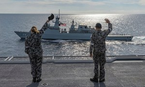 Malaysian and Australian Navies Partner During Indo-Pacific Endeavour 21