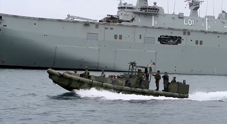 Philippine Navy and Royal Australian Navy Ships Hold Maritime Exercise