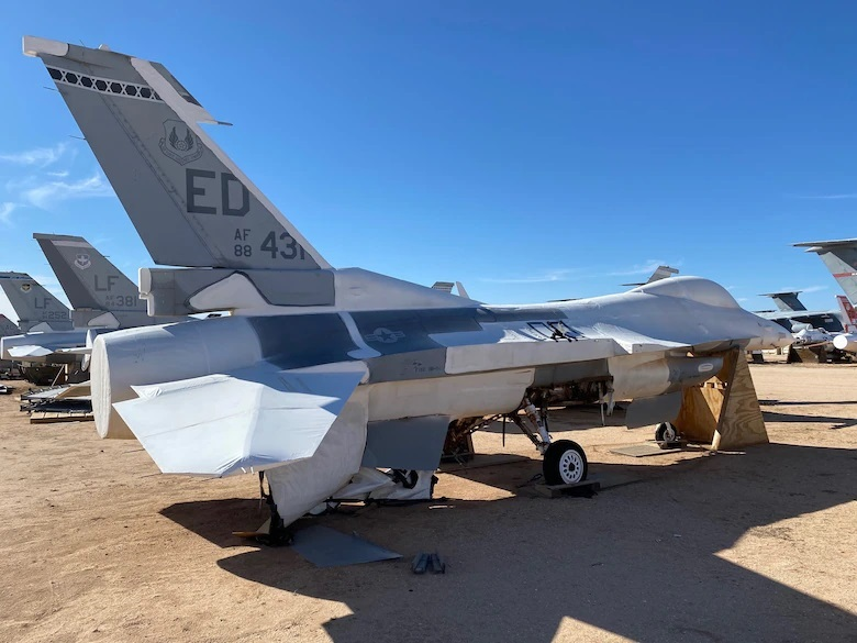 US Air Force Life Cycle Management Center to Develop Digital Replica of the F-16 Fighting Falcon