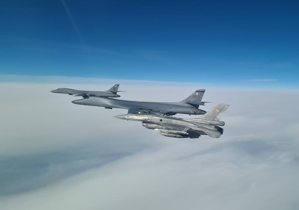 NATO and Partner Fighters Team Up with US Bombers in the Baltic Sea Region