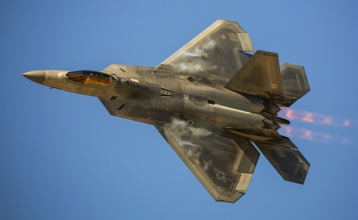 hight resolution of f 22 raptor top view