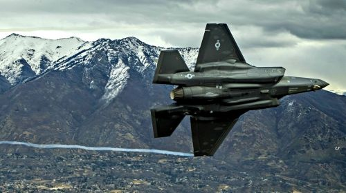 small resolution of likewise the f 35 has shortcomings where the f 22 shines the bulk of what makes the f 22 and the f 35 different is cost and capabilities
