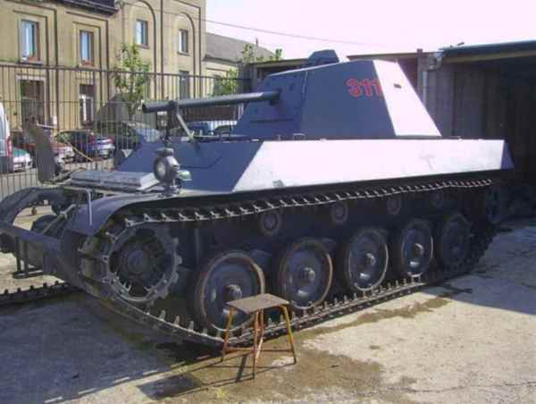 Military Tanks Civilians - Machine