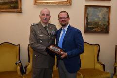 Il Generale di Corpo d'Armata Claudio Mora con l'Ing. Federico Mori