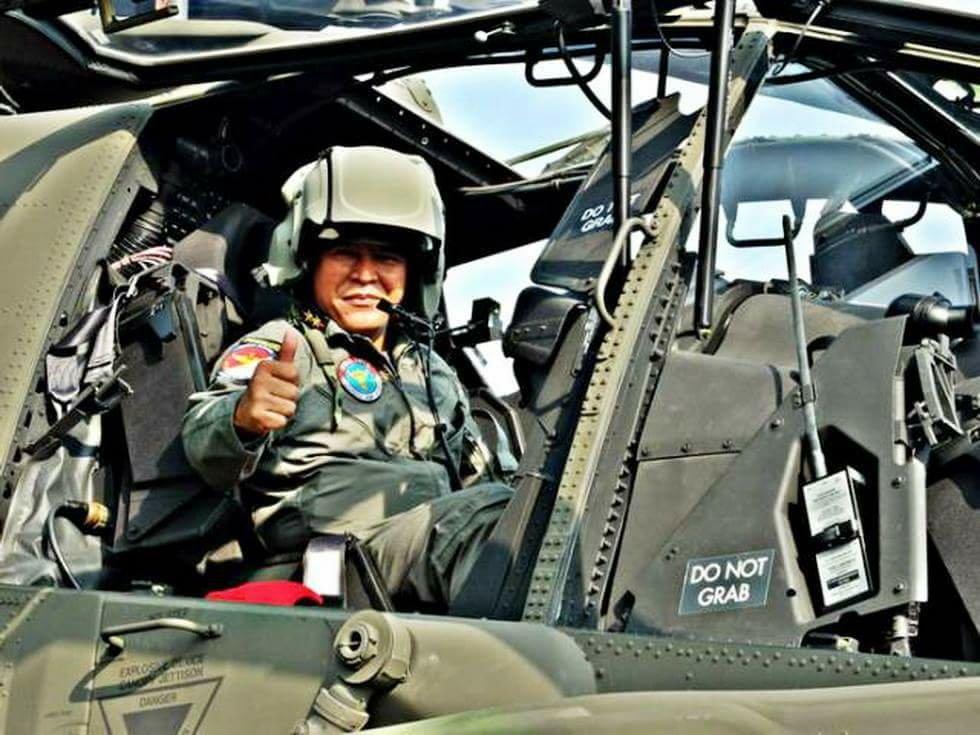 Helikopter Apache TNI Dilengkapi Helm Canggih Buatan