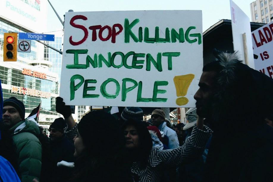 Protestors along the Gaza strip