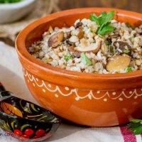 Russian buckwheat kasha with mushrooms