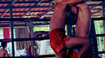 muay-thai-clinch