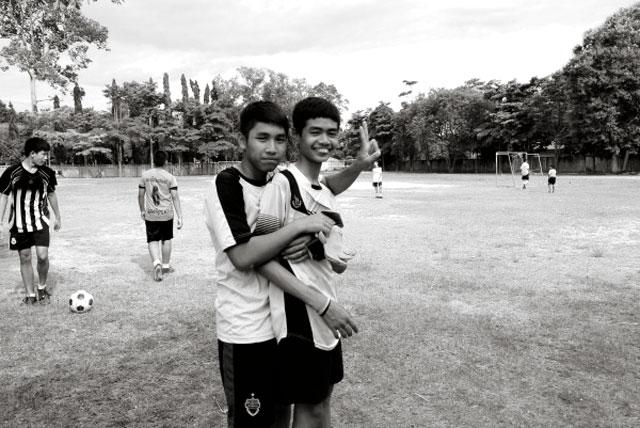 Thailand-boys-soccer-players
