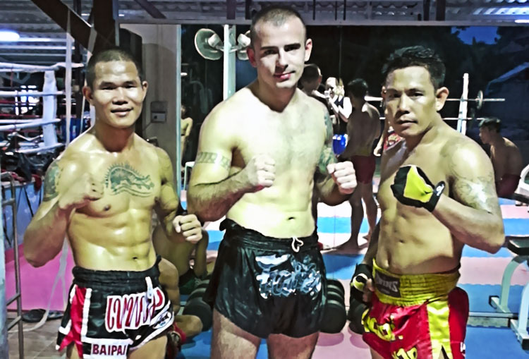 Training at Sitmonchai Gym - a Review