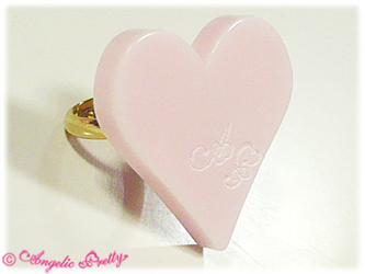 Angelic Pretty Queen Heart Ring Pink