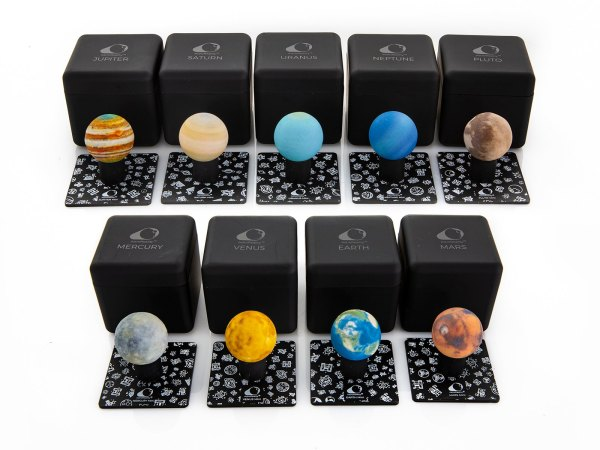 AstroReality Solar System Set of 3D augmented reality mini planet models