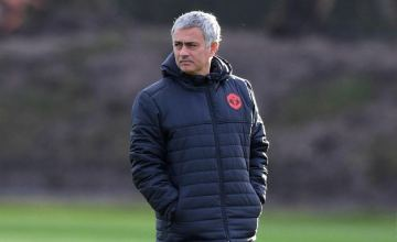 jose-mourinho-in-united-training-1024x602