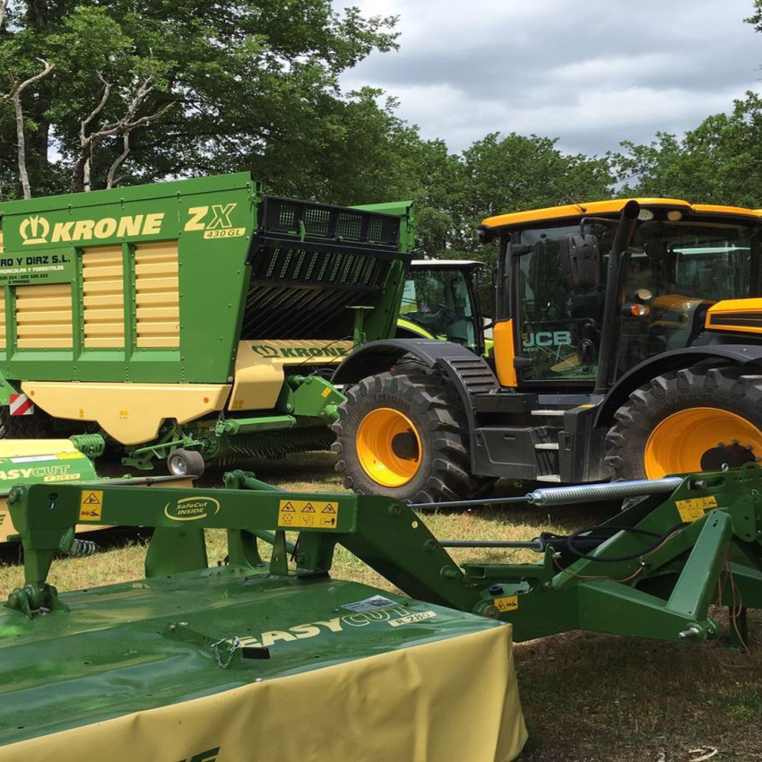 Tractores Agrícolas JCB