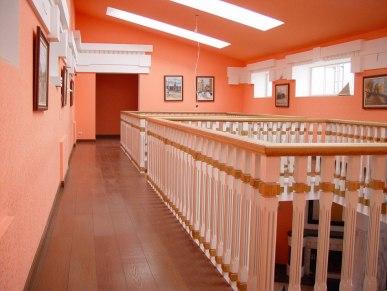 Интерьер галереи второго этажа. Неоклассика
