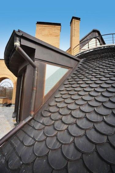 Крыша необычного дома