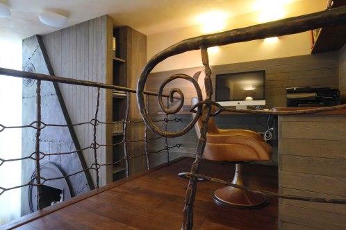 Дизайн интерьера квартиры в стиле Гауди. Кабинет