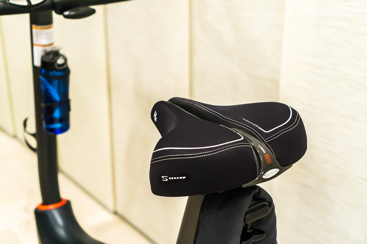 Serfas Vinyl Comfort Bikesaddle With Full Suspension