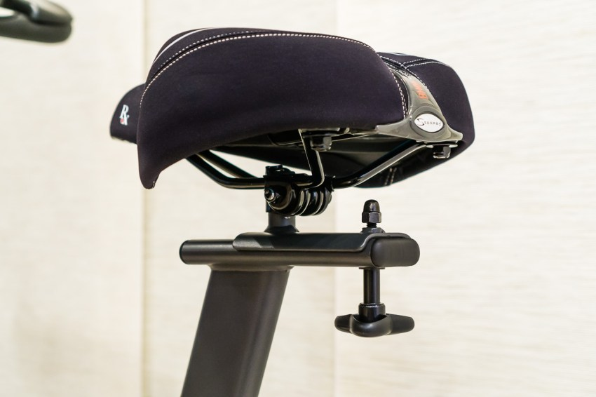 To remove the original saddle from the seat post, simply loosen the nuts on both sides of the clamp simultaneously.