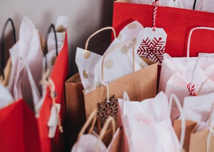 Omnichannel support services are critical during the holiday season.