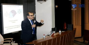Mario FRANCO Presenting