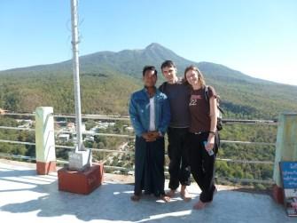 mit Nelin auf dem Mt. Popa