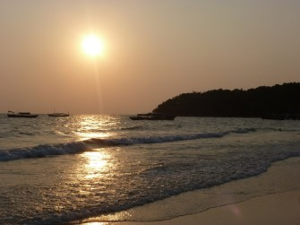 Sonnenuntergang am Serendipity Beach