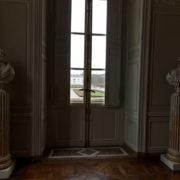 Antichambre: bustes de Louis XVI et de l'empereur Joseph II, frère de Marie-Antoinette