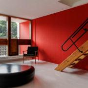 Le Corbusier, Briey, La Galerie Blanche escalier dessiné par Jean Prouvé.