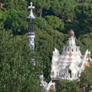 Barcelone, Parc Guell, Pavillons d'entrée prévus à l'origine pour la conciergerie et le bureau de police de l'urbanisation