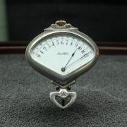 Musée du temps: montre sectorielle rétrograde