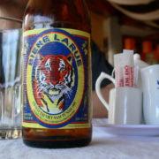 Au restaurant, bière Vietnamienne Larue des Brasseries et Glacieres de l'Indochine