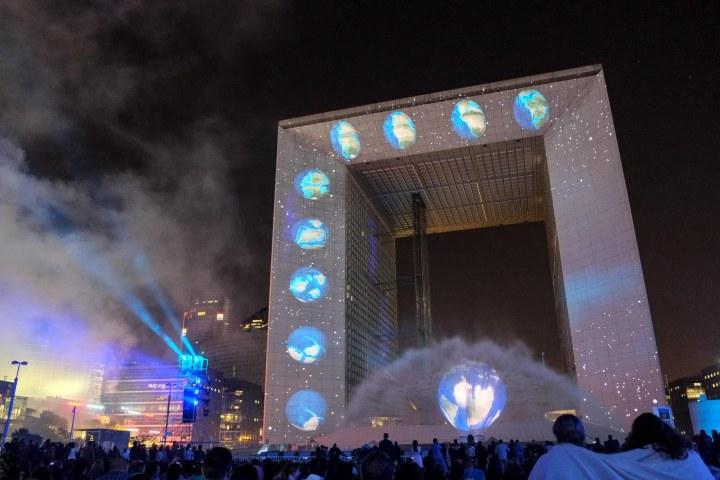 Espace, spectacle Paris La Défense