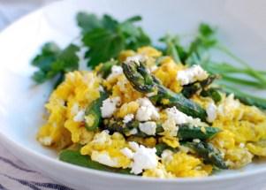 scrambled-eggs-with-asparagus