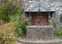 Old well in St. George's Church Memorial Gardens