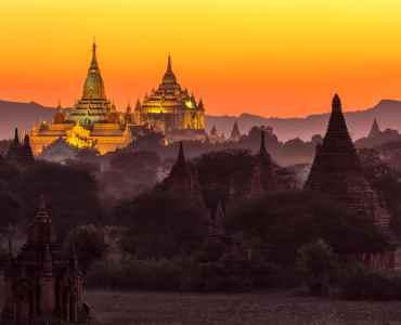 Ananda pagoda at dusk, in the Bagan plain, Myanmar (Burma)
