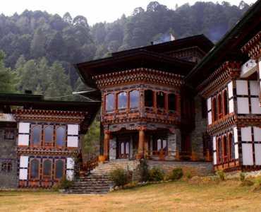 Dewachen, Gangtey | Guesthouse in Bhutan | Millis Potter