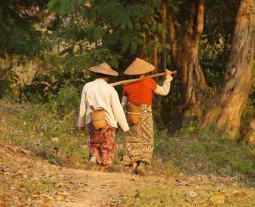 Women near Hsipaw, Burma - Tours to Burma