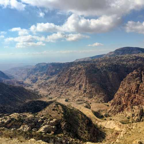 Wadi-Dana-Trail-to-Feynan - Walking Holiday in Jordan