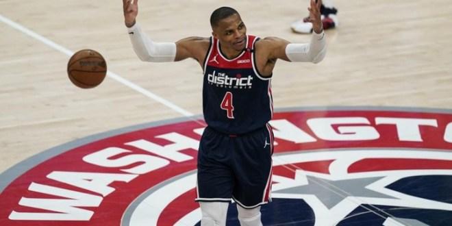 Russell Westbrook rompe récord de triples dobles de Oscar Robertson