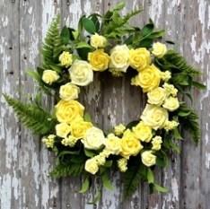 5100Q0803_Rose_Bouquet_Wreath_Yellow_15777.1434123601.328.245__89332.1456775920.1280.1280