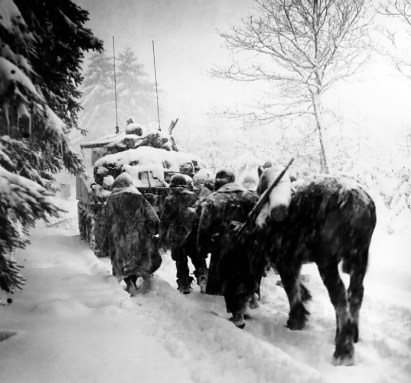 File:Troops advance in a snowstorm.jpg - Wikimedia Commons