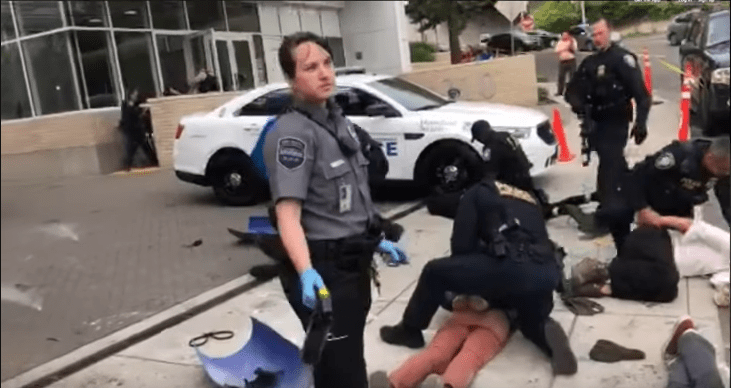 Violent Antifa protesting ICE taught a lesson by Federal police