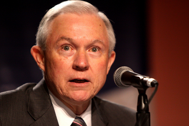Jeff Sessions pledged to recuse himself from Hillary Clinton investigations