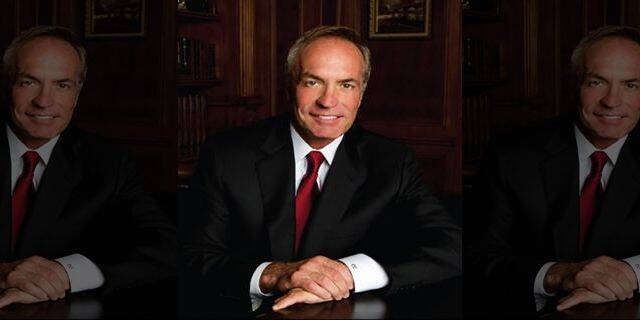 7 people killed in helicopter crash including billionaire Trump donor Chris Cline