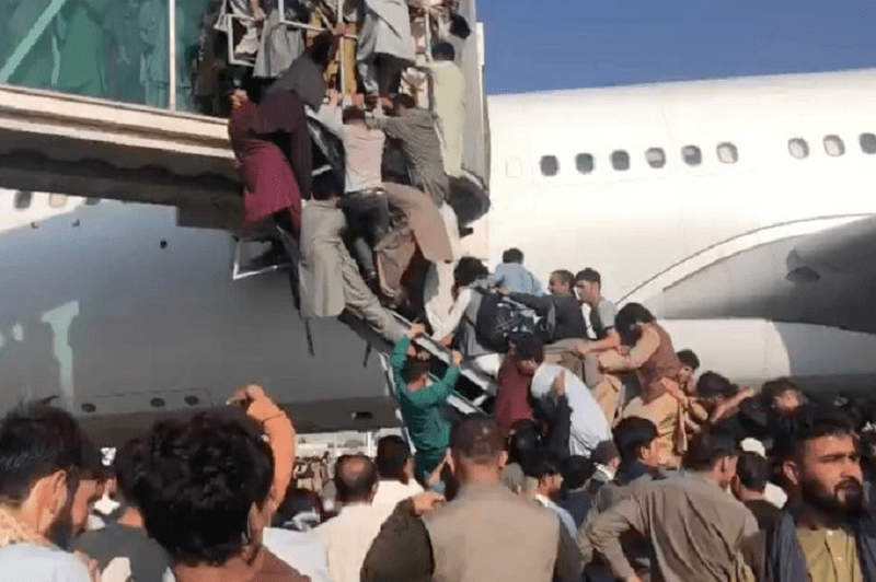 Videos From Airport in Kabul Resemble Scenes From 'World War Z'